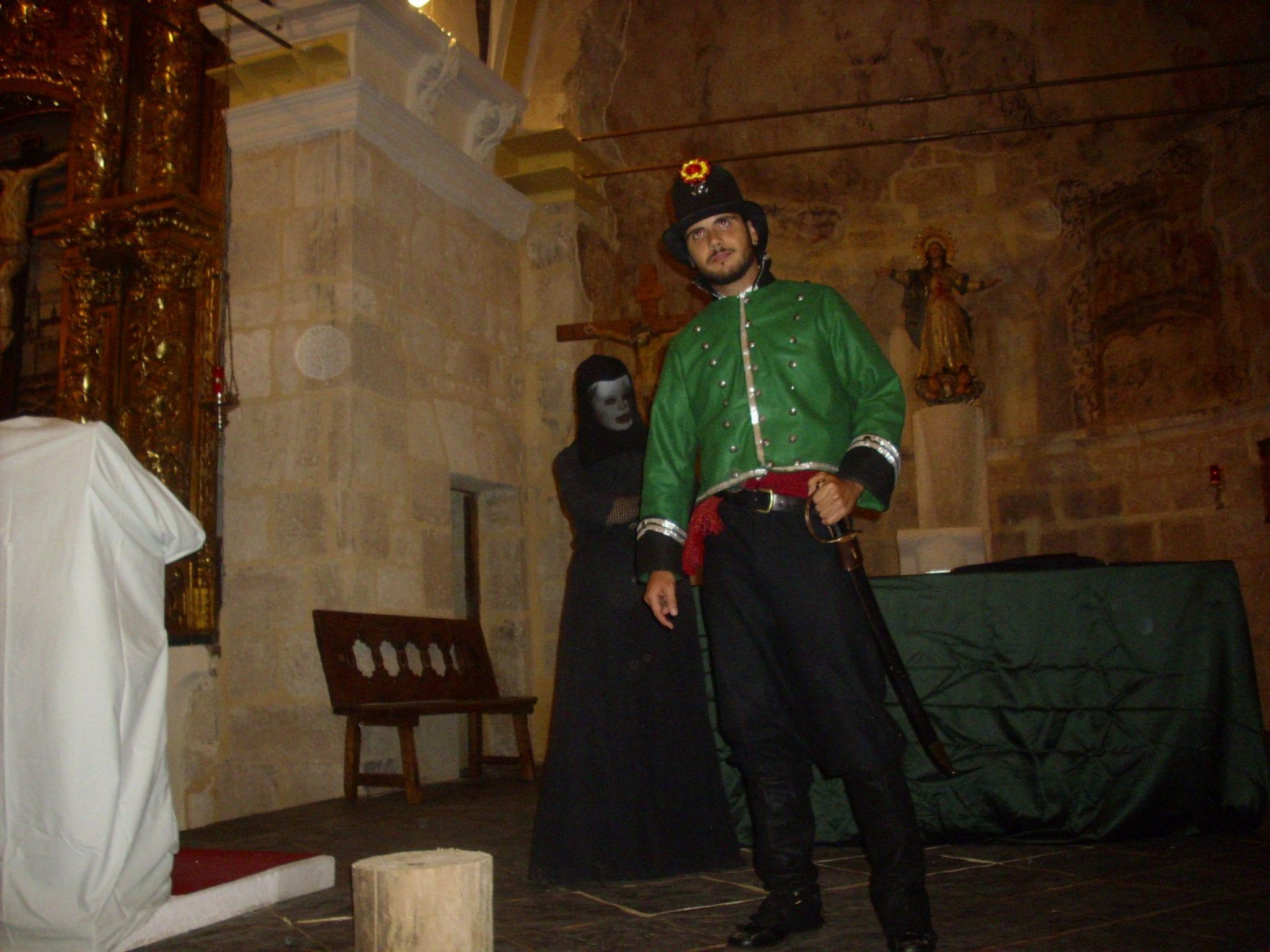 Representación teatral en la iglesia(1)   cultyocio.es